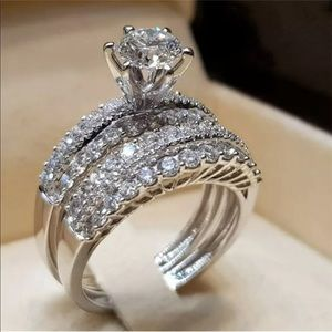 Silver bridal ring set classic rock style design